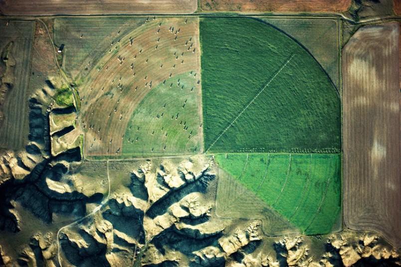 12. Осушитель и ороситель реки Мариас, область Лома, Монтана, США. (Alex MacLean / Beetles+Huxley)
