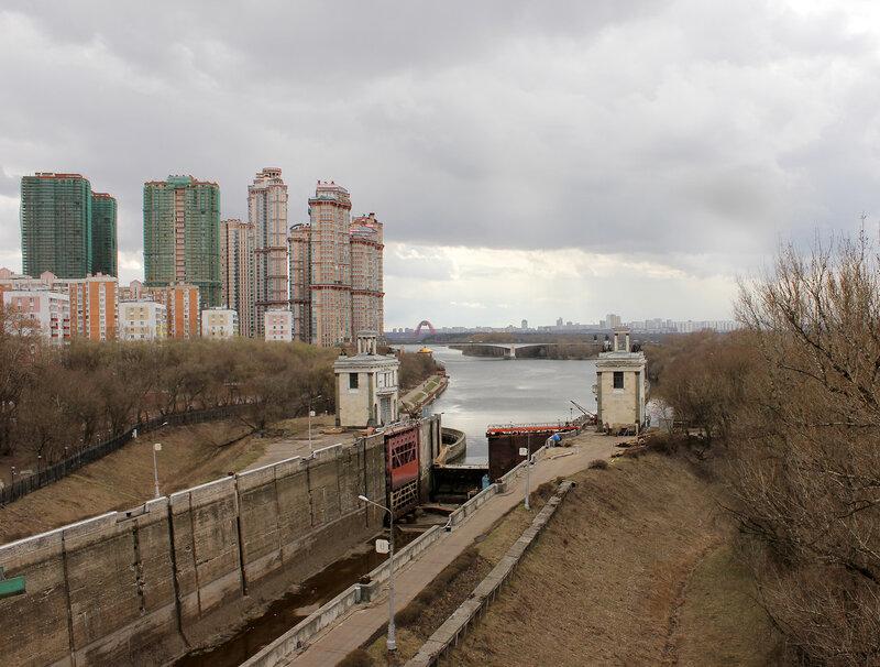 Канал имени Москвы, вид на юг