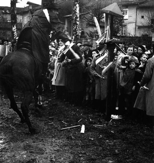 1951. Праздник Quintain в Сен-Леонарде