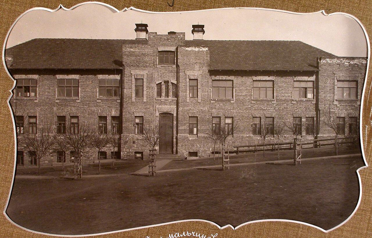 Вид дома, где размещалось общежитие для преподавателей училища и мальчиков