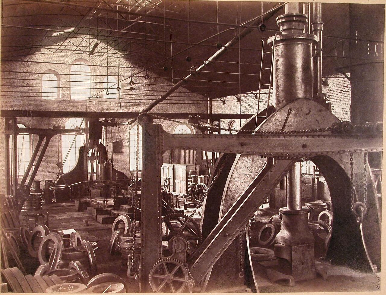 19. Внутренний вид шинопрокатной мастерской завода для изготовления стальных шин для вагонных и локомотивных колес