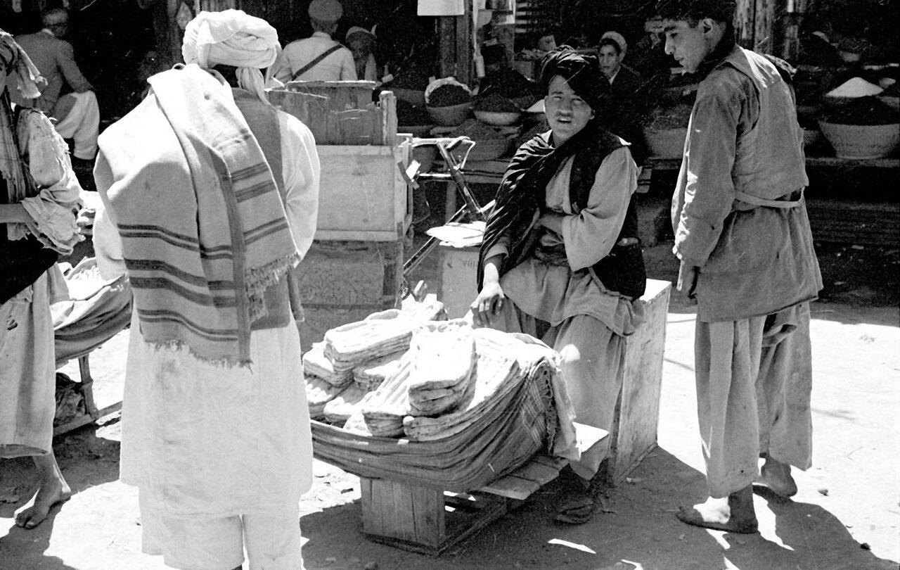 Продавец хлеба