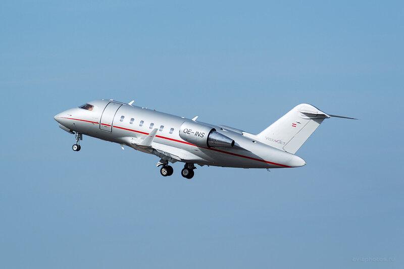 Bombardier CL-600-2B16 Challenger 605 (OE-INS) VistaJet D804329a