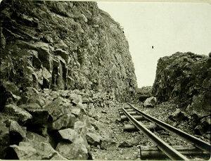 Вид уложенного железнодорожного полотна на 72-й версте. Забайкальская обл., между ст. Шарыжалгай-Култук