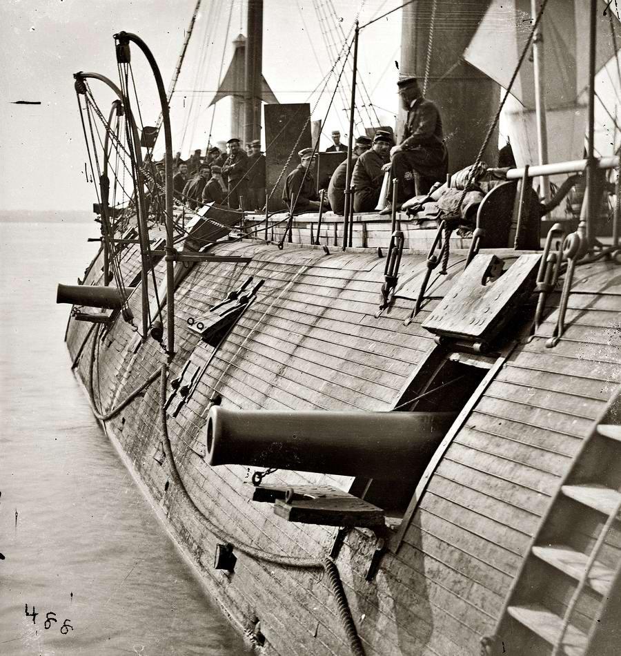 Корабли, речные суда и военные моряки на снимках американских фотографов конца 19 века (1)