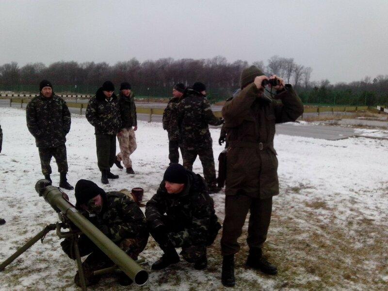 Бойцы на передовой обеспечены теплой одеждой и берцами на все 100%, - пресс-центр АТО - Цензор.НЕТ 3776