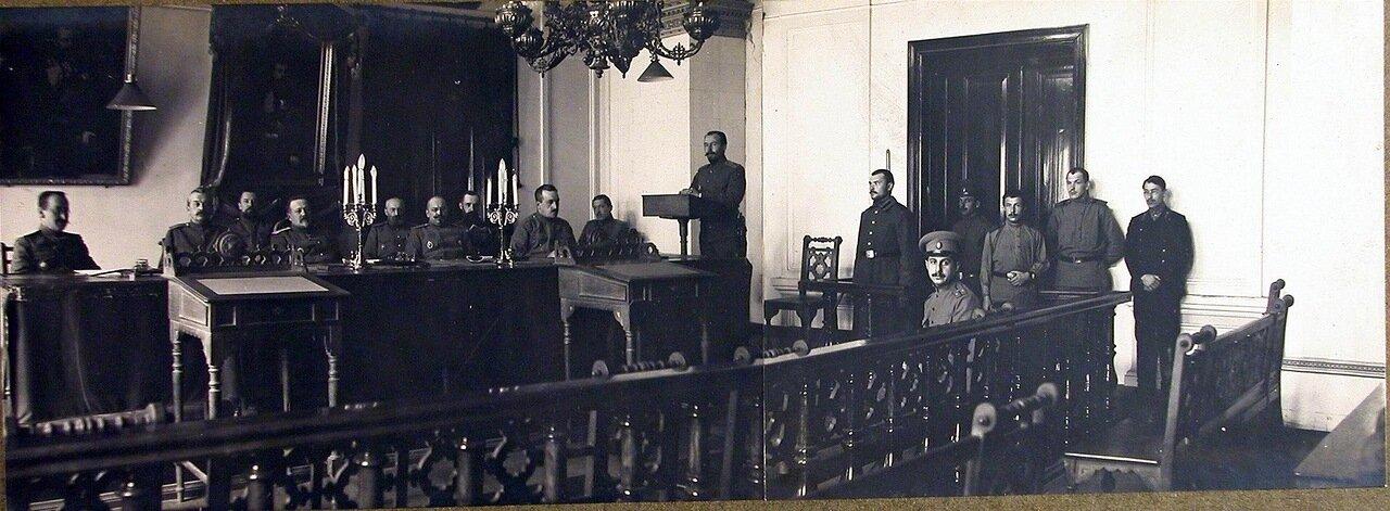 06. Члены соединенного суда XII армии во время заседания