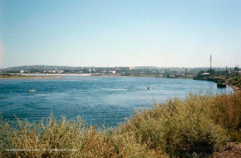 10. Вид на предместье Марата с Нижней набережной