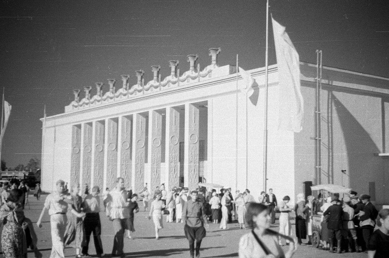 35. Павильон Украинской ССР
