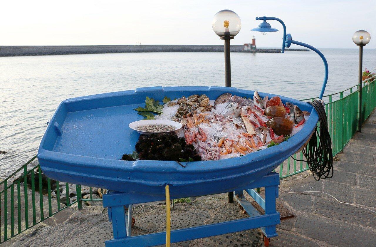 Искья. Виа Порто (Via Porto). Рыбный ресторан