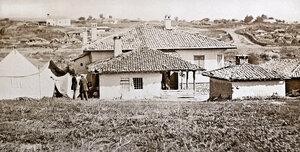 Общ изглед към село Горна Студена и гърба на къщата на хаджи Николи, служеща за щаб-квартира на руската войска, август 1877 г.