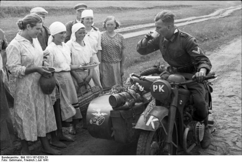 Млекопитающиеся и советские солдаты.