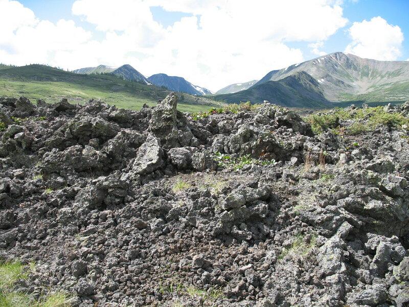 Лавовое поле в Долине вулканов
