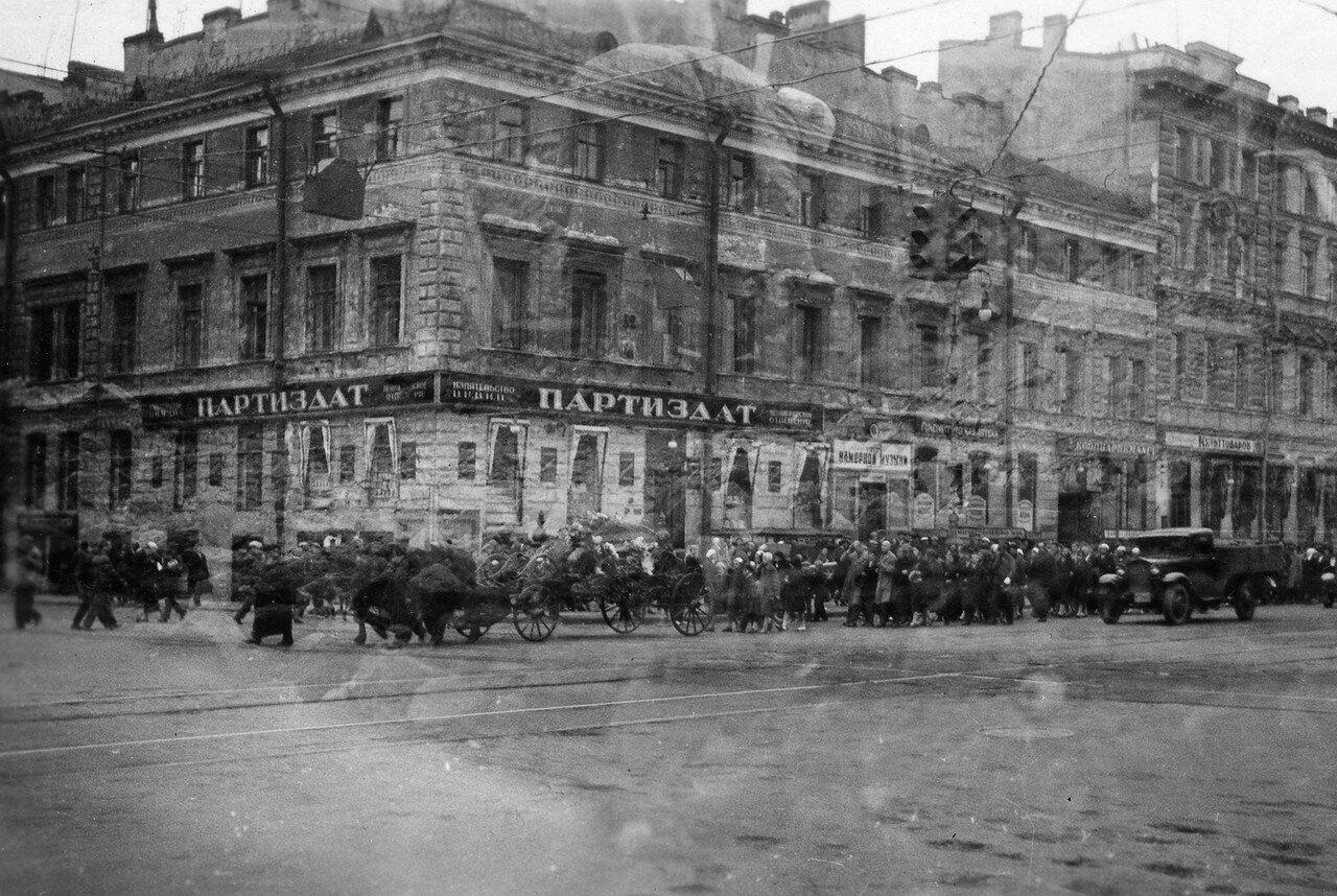 45. Ленинград. Похоронная процессия