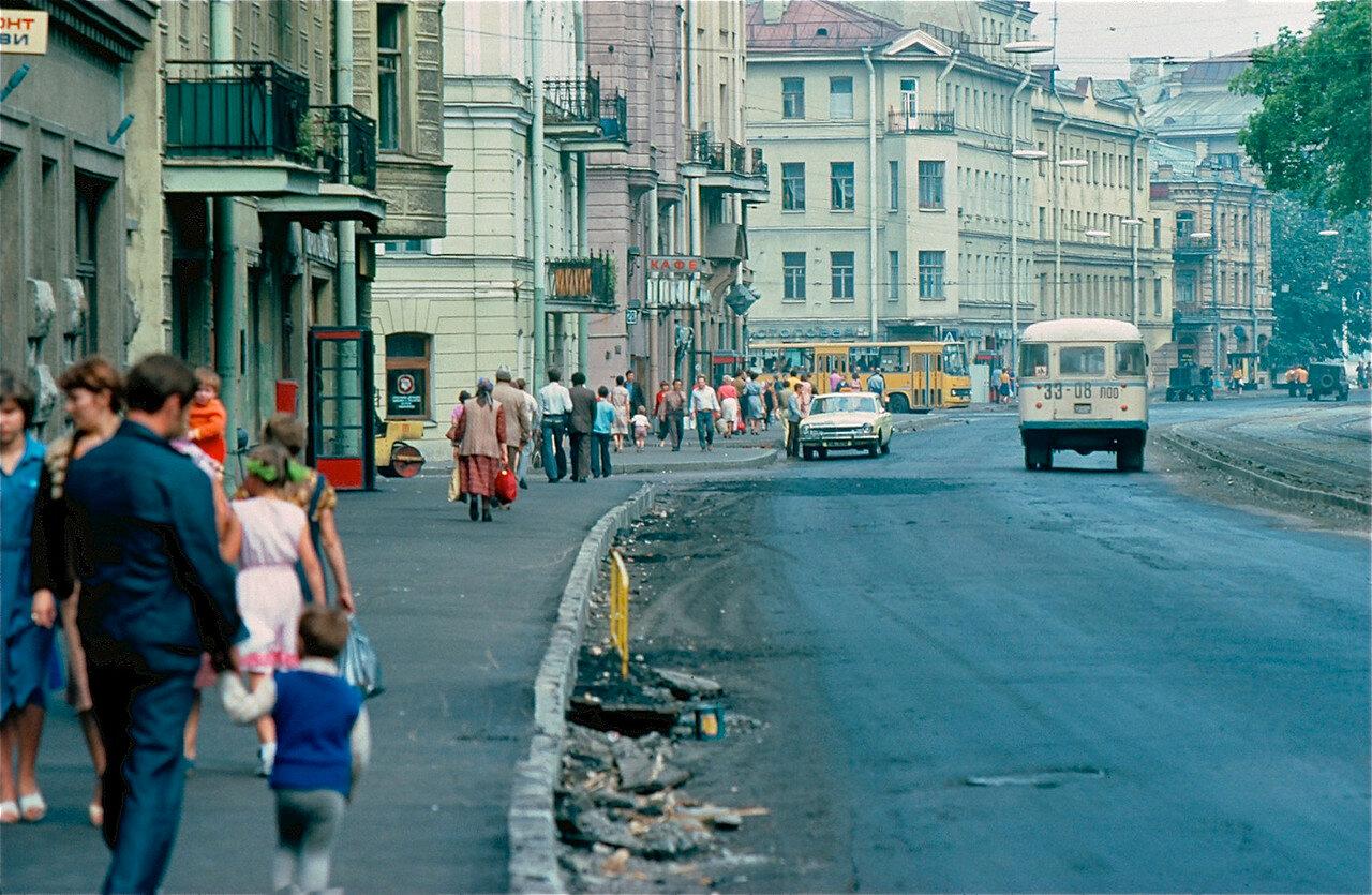 05. На Ленинградской улице