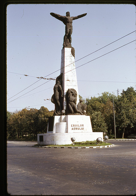 Oct 71 - 3 [Monument of the Heroes of the Air, Aviators Boulevard, Bucharest]