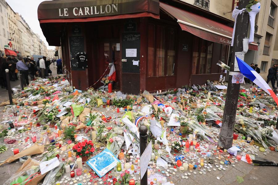 Париж после терактов 2.png