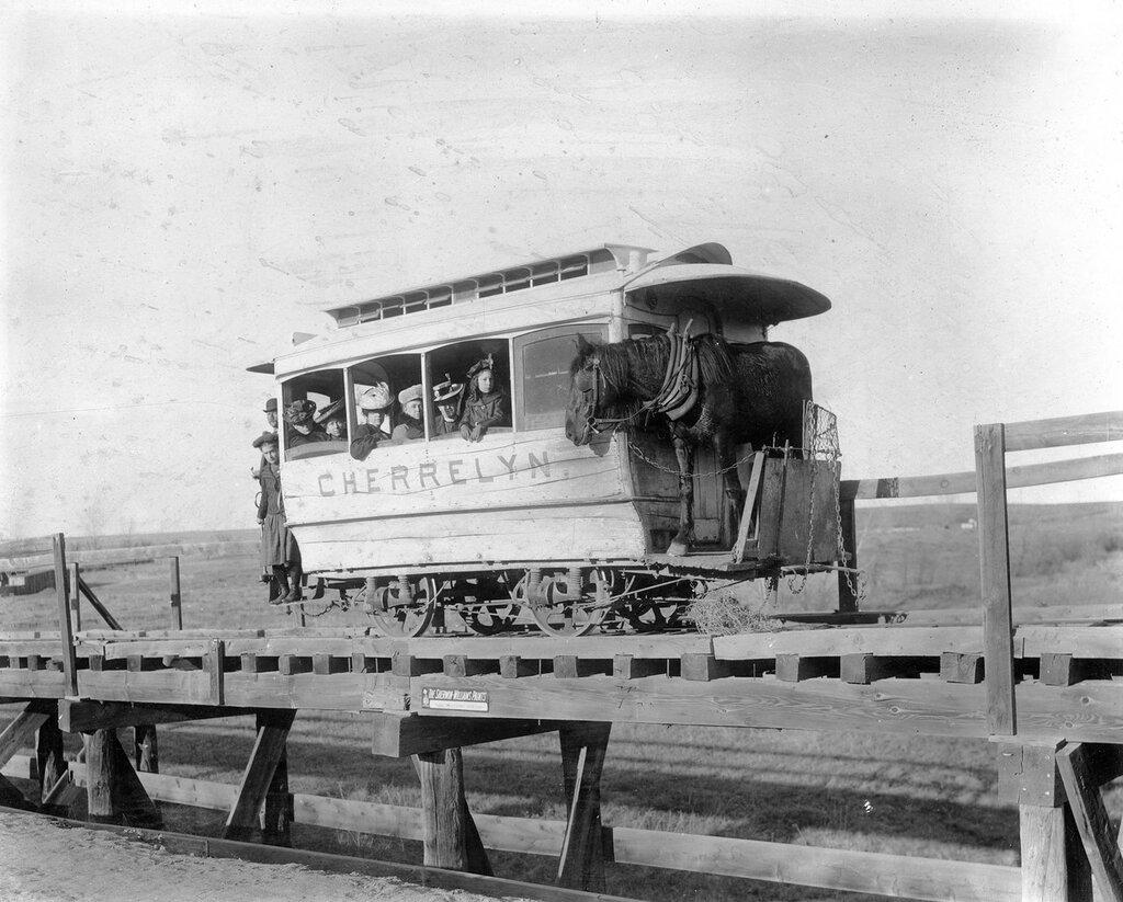 Cherrelyn horse car, Arapahoe County, Colorado, between 1900 and 1905