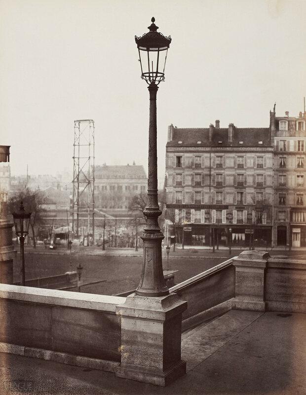 Газовый фонарь у Восточной станции городской железной дороги. 1868
