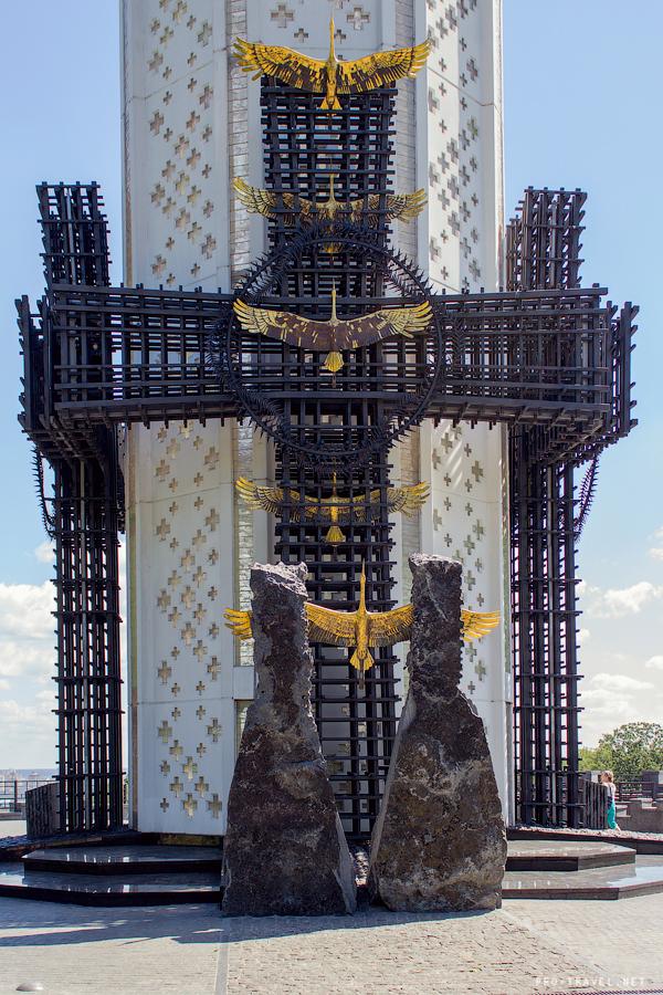 Памятники Киева