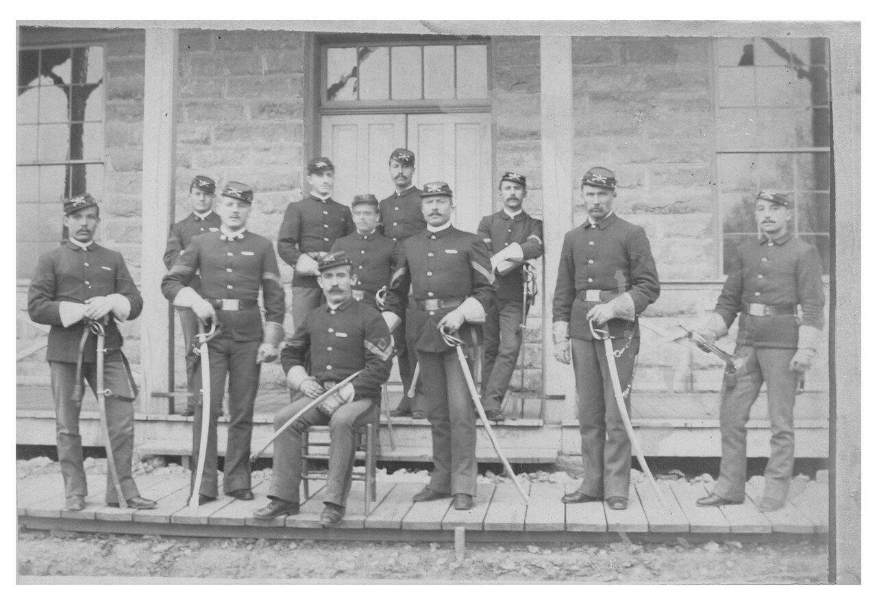 Унтер-офицеры отряда C 7-го кавалерийского полка