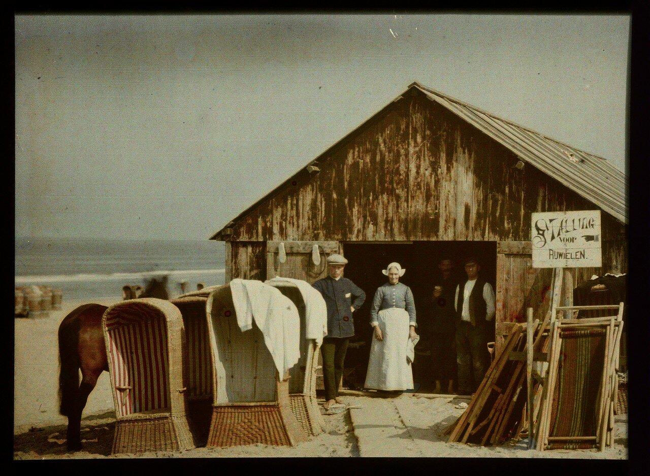 1907. Склад шезлонгов на пляже в Северном море