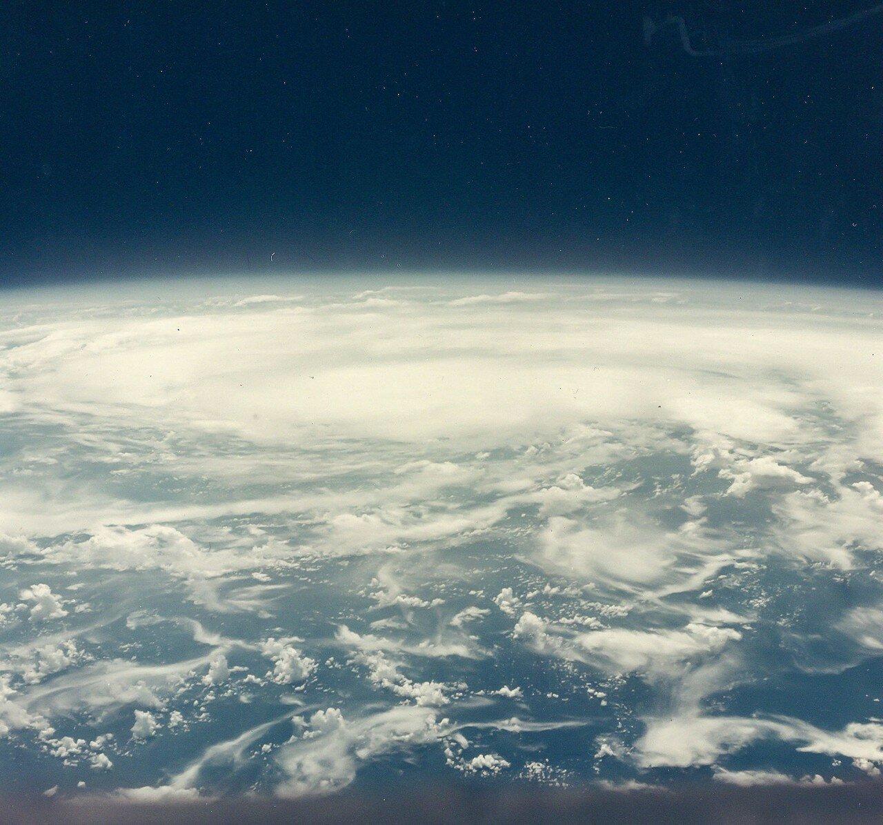 36. 1965, август. Тихий океан из космоса во время полета «Джемини»-5