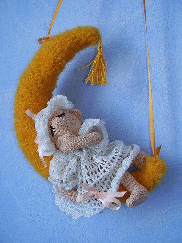 Вяжем ангелочка своими руками из ниток ирис 94