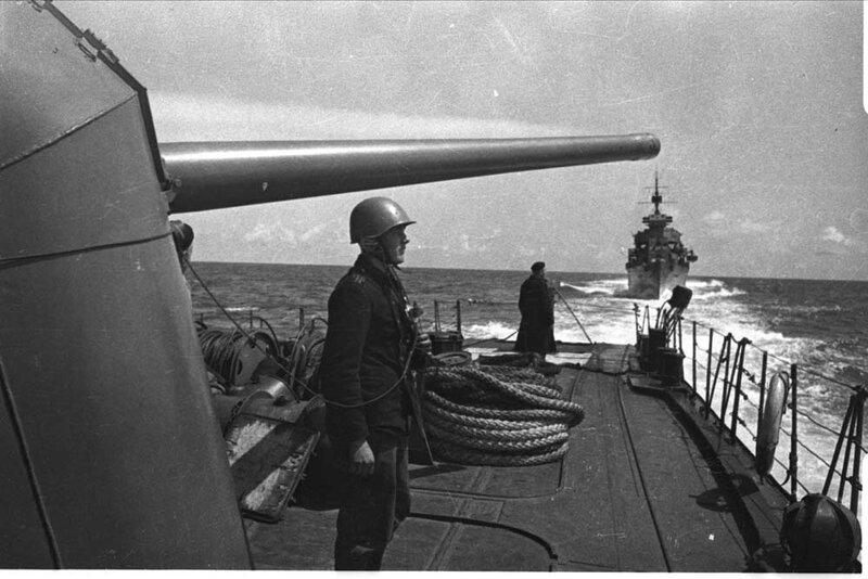 фото советских боевых кораблей времен вов живописи предполагает