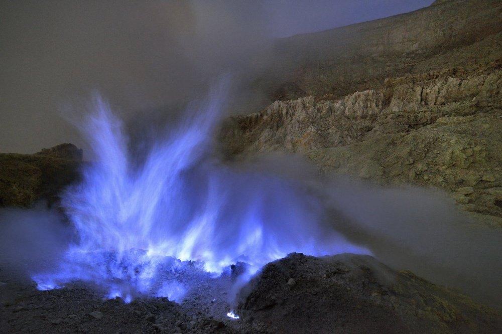 Фантастический вулкан в Индонезии