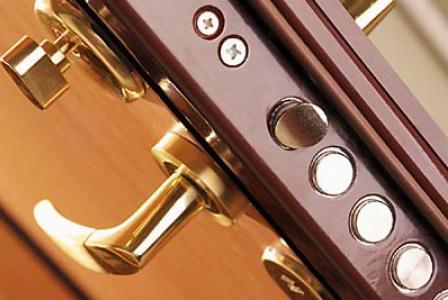 Замена дверных замков: ряд советов