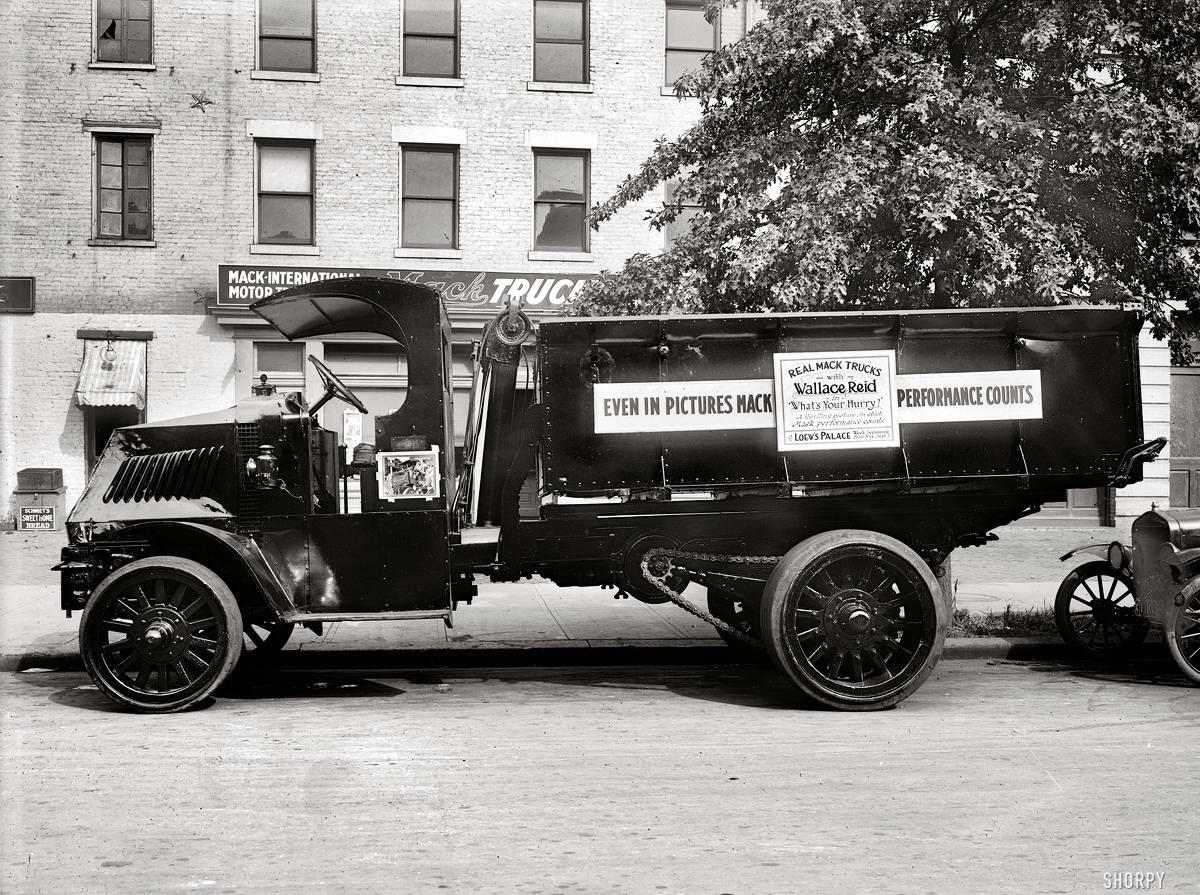 Грузовые автомобили начала 20-го века на снимках американских фотографов (6)