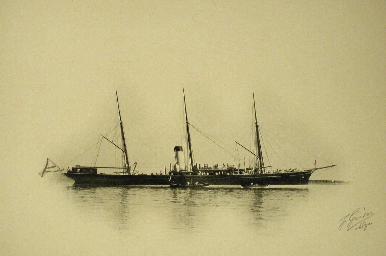 21. Вид яхты «Царевна»