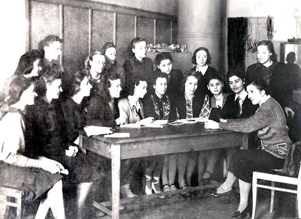 Ваганова с ученицами