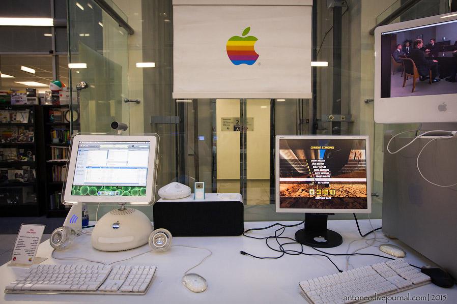 iMac стал настоящим революционным прорывом в промышленном дизайне. И не взирая на то, что эта машина