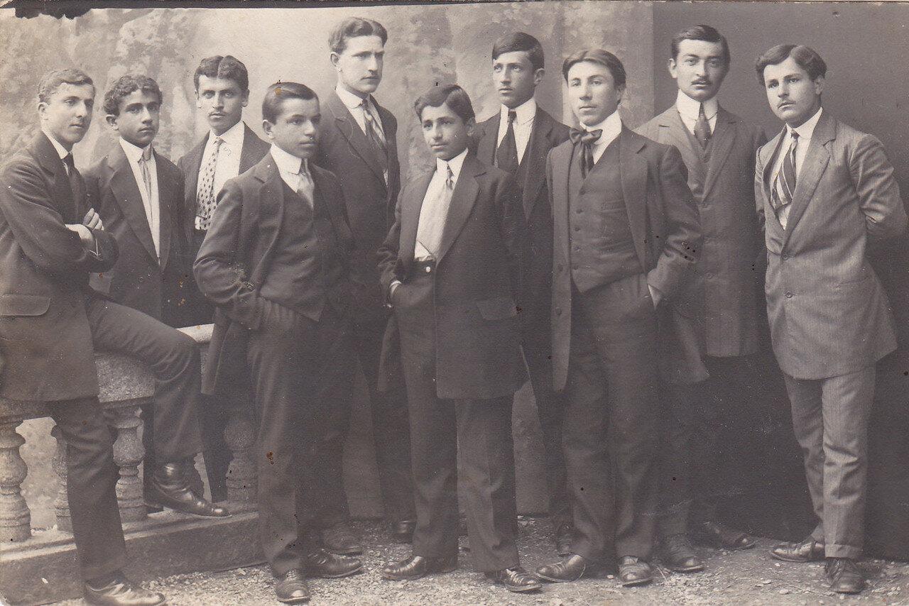1913. Студенты Армянской школы в Эскишехире (Оттоманская империя)