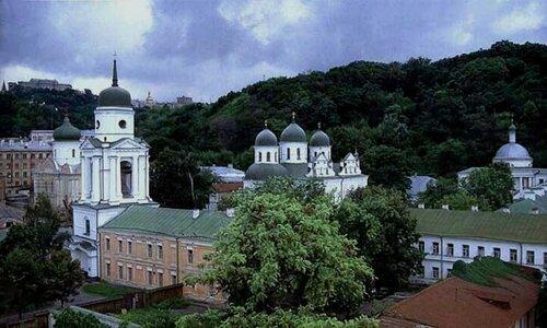 У подножия Горы - Флоровский монастырь