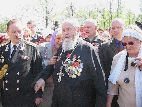 Слава защитникам Отечества