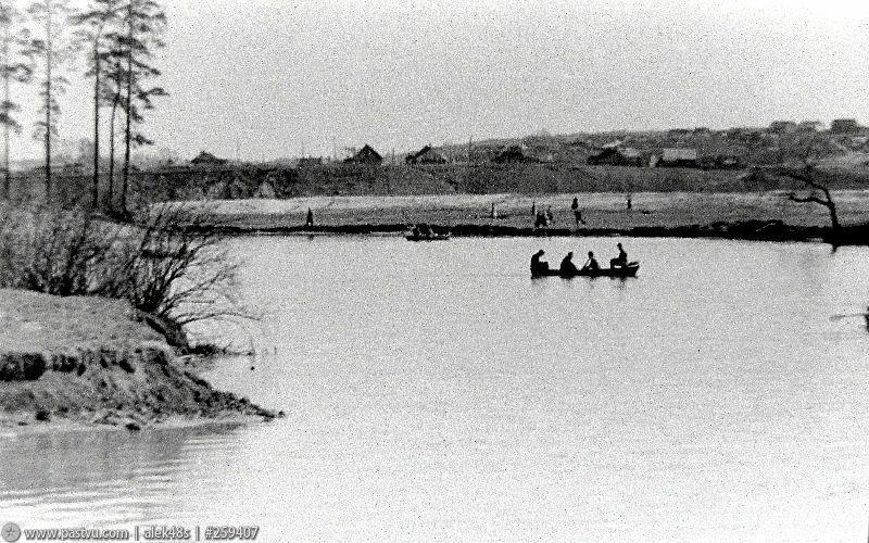 Озеро Бездонное в Серебряном бору 3.jpg