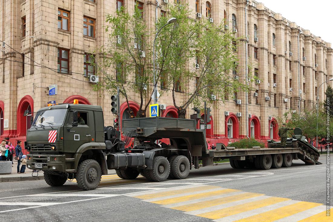 танк Т-60 генеральная репетиция парада Победы в Волгограде