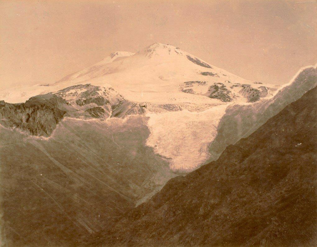 47. Панорама Эльбруса