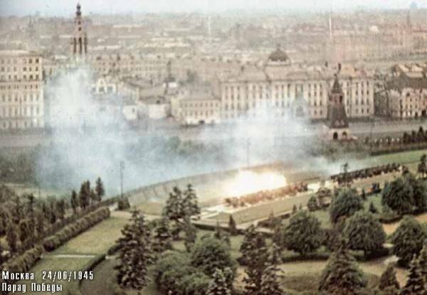 Cалют в Тайницком саду Кремля