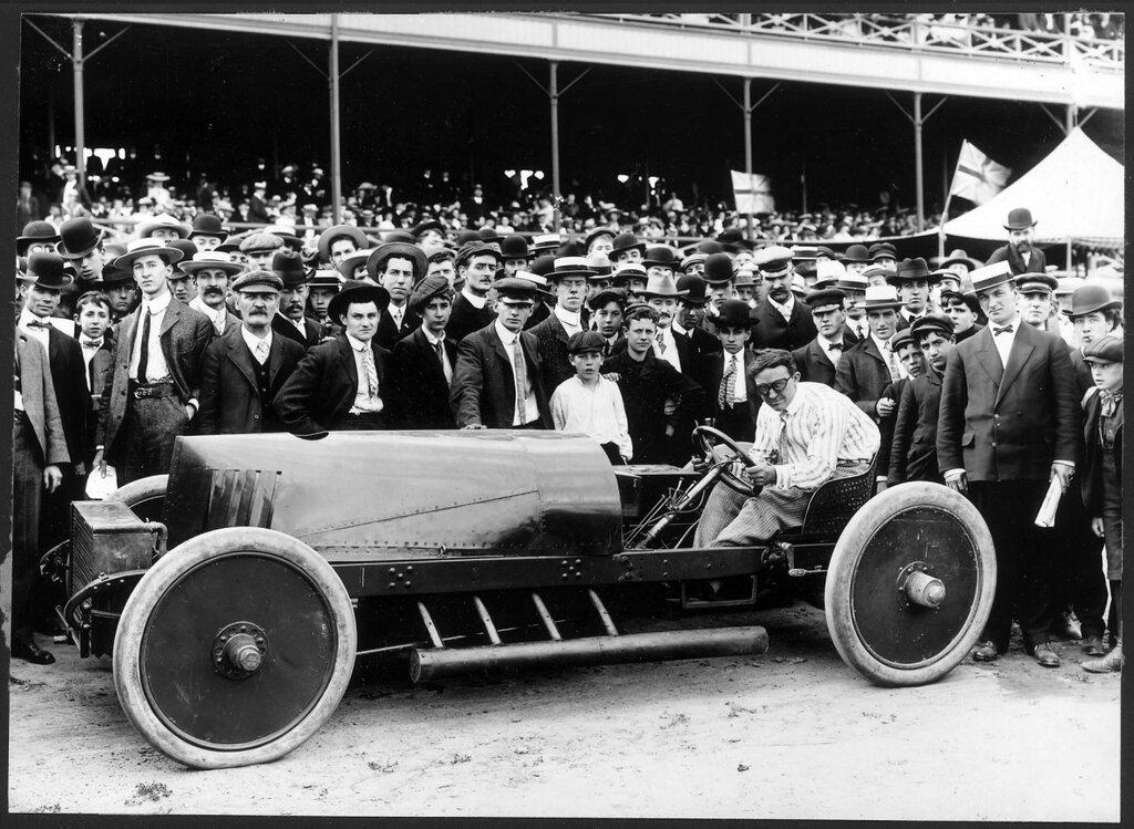 Barney Oldfield. Peerless - 1913.jpg