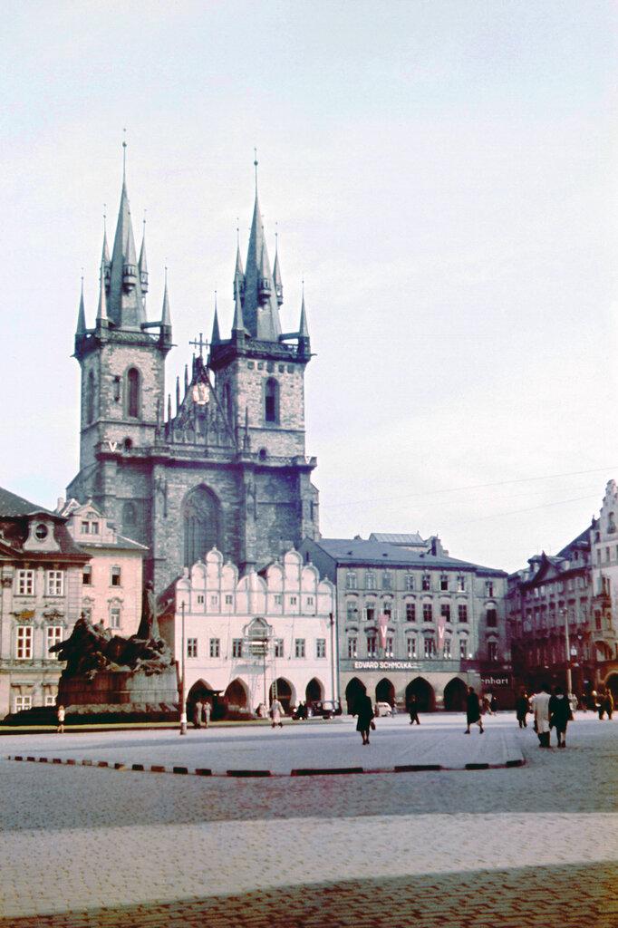 1942c Prag4b.jpg