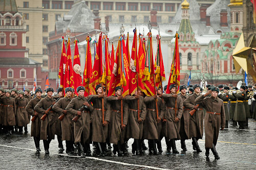 Дата: 07.11.2014, Время: 10:00Парад 7 ноября на Красной площади.