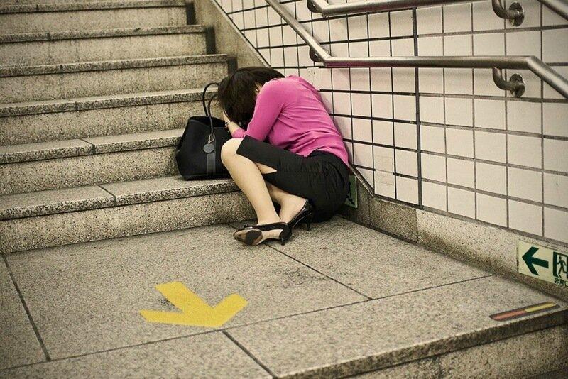 Фотопроект Адриана Стори: спящие на улицах Токио 0 1c59ee 1dc0b78d XL