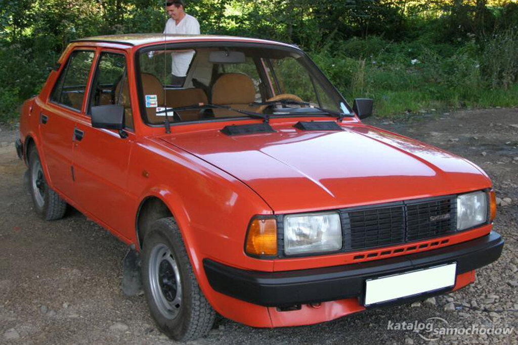 Skoda-120LS-09-katalog-samochodow.pl.jpg