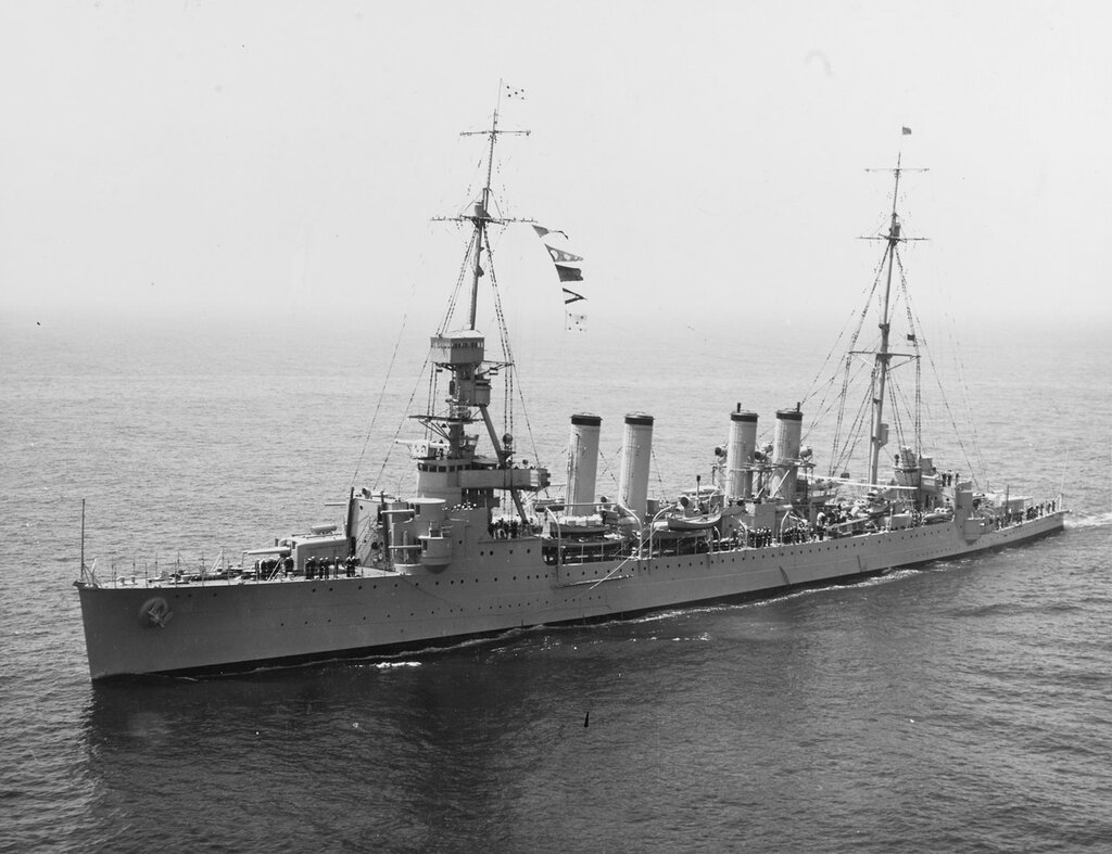 USS Memphis (CL-13) Underway off New York City during the Fleet Review, 31 May 1934