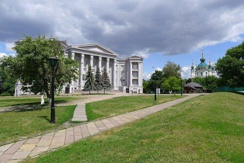 Andrew Niukin - Национальный музей истории Украины, Андреевская церковь