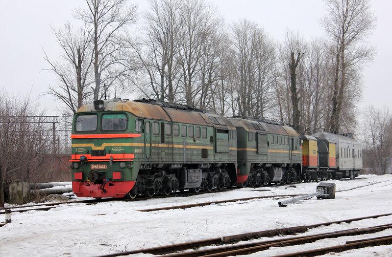 2М62-0464 на станции Кушелевка